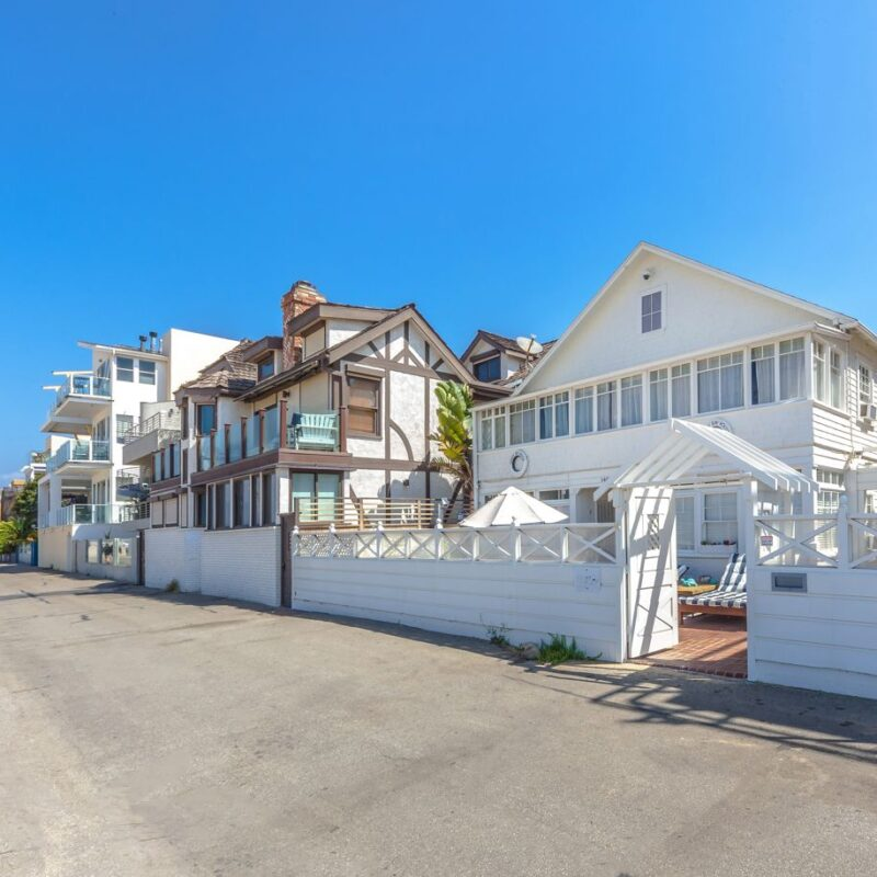 1401 Palisades Beach Road